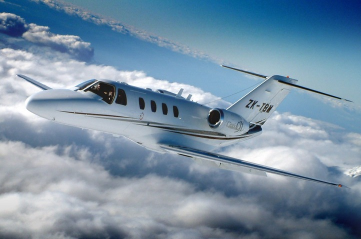 Air to Air -Corporate Jet